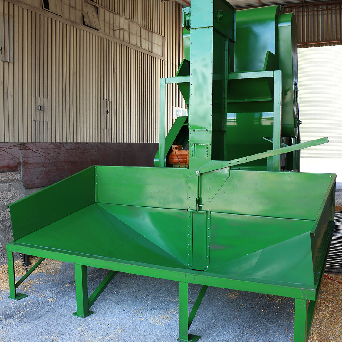 JAPS Jumbo Grain Cleaner installed at the Molare feed mill