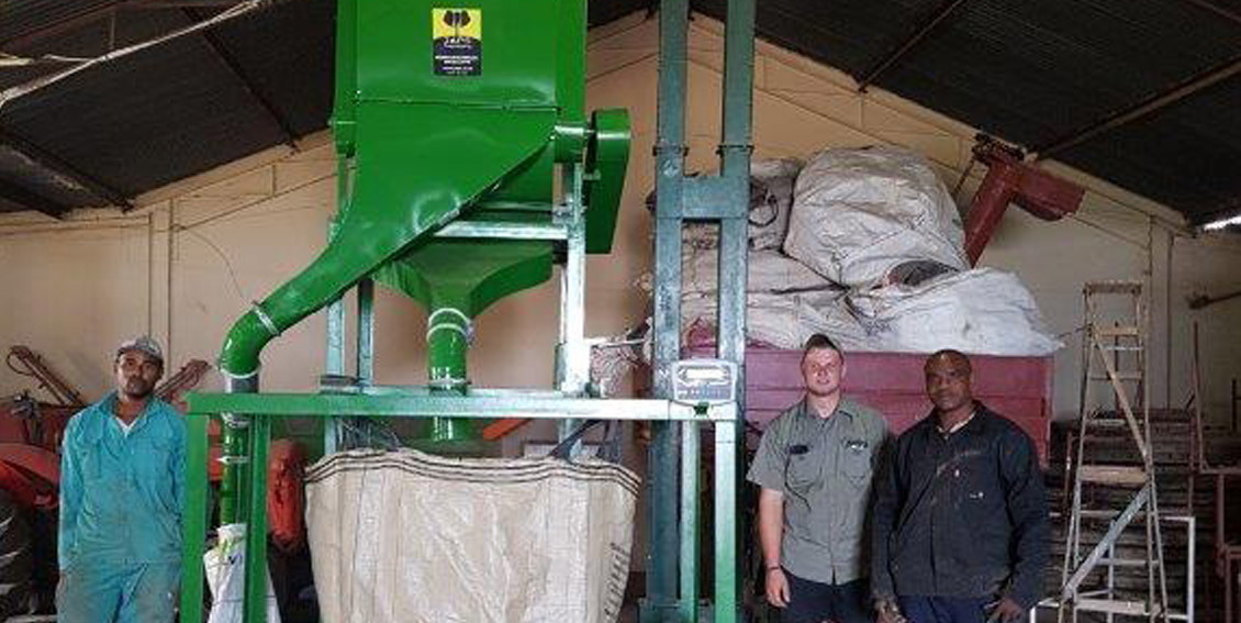JAPS Jumbo Junior grain cleaner with extension frame